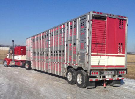 Agriculture/livestock hauler