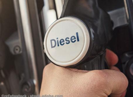 Diesel fuel pump nozzle