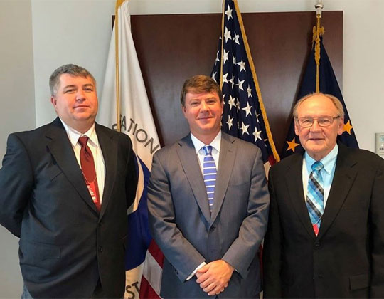 OOIDA's Lewie Pugh and Todd Spencer with FMCSA Acting Administrator Jim Mullen