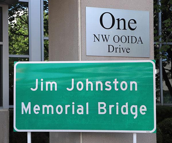 I-70 bridge named after longtime OOIDA President Jim Johnston