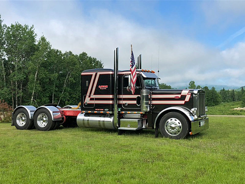 Chip Bean and Mike Hall of Errol, N.H./ 2004 Peterbilt 379