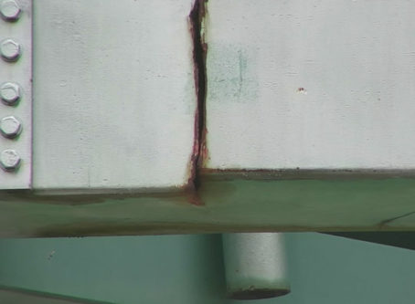Crack in I-44 bridge, courtesy Arkansas DOT
