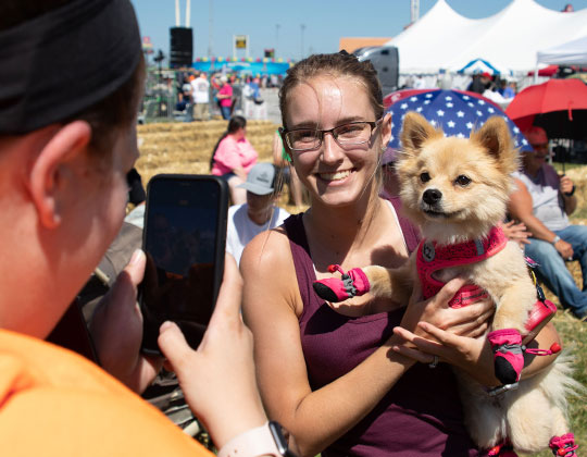 Trucker's Best Friend Pet Contest