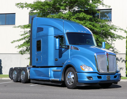 Kenworth continues partnership with Transition Trucking