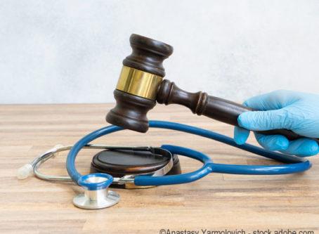 medical lawsuit, gavel and stethoscope, photo by Anastasy Yarmolovich - stock.adobe.com