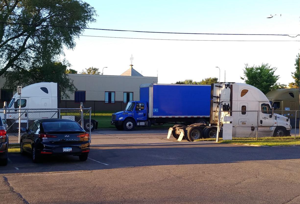 Minneapolis truck parking