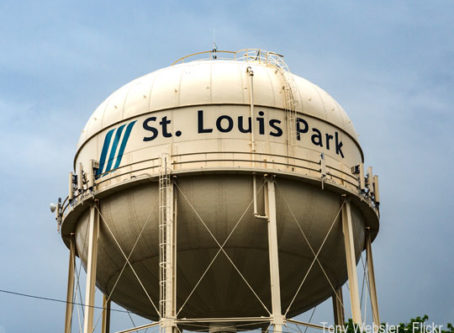 St. Louis Park, Minn., water tower, photo by Tony Webster