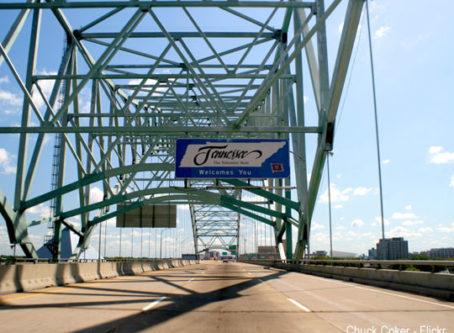 I-40 Hernando DeSoto bridge, photo by Chuck Coker