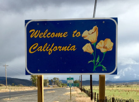 Welcome to California sign photo by Famartin