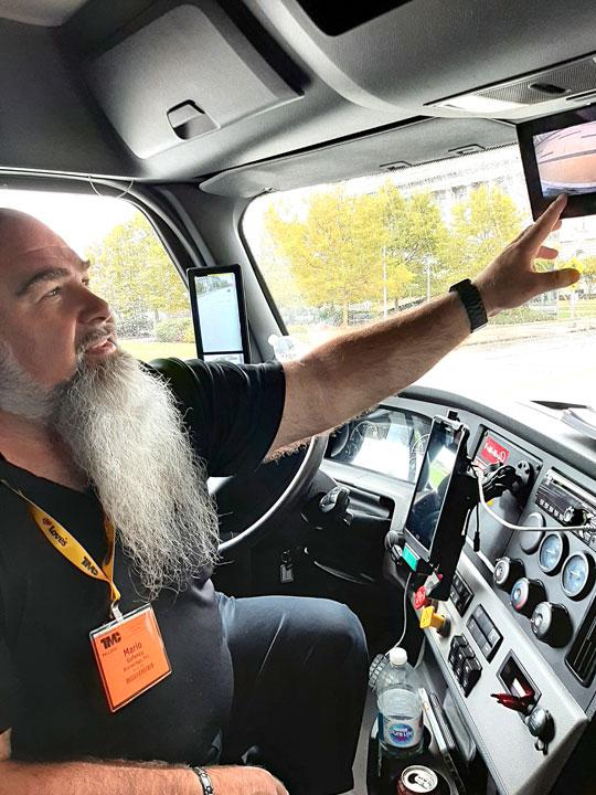 Demo driver Mario Gefencu