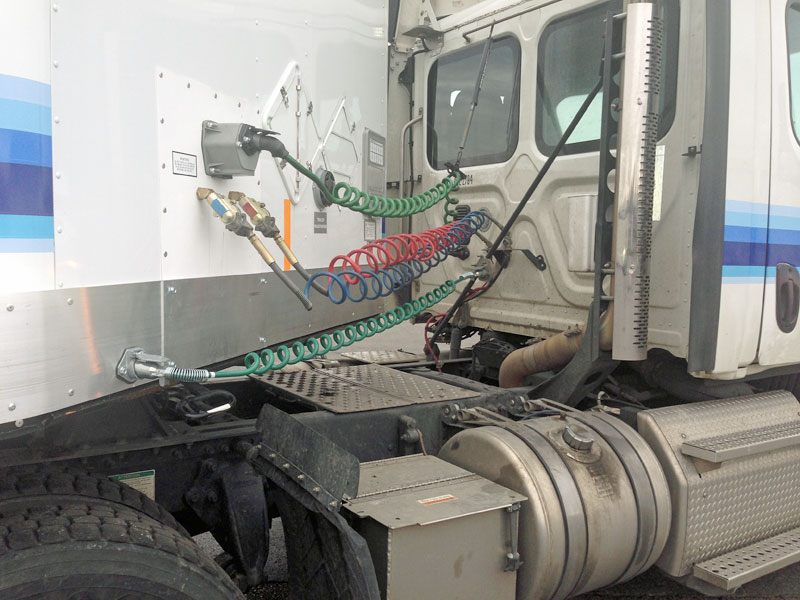 Standard J560 seven-way and connector an extra cord on a Conway tractor-trailer